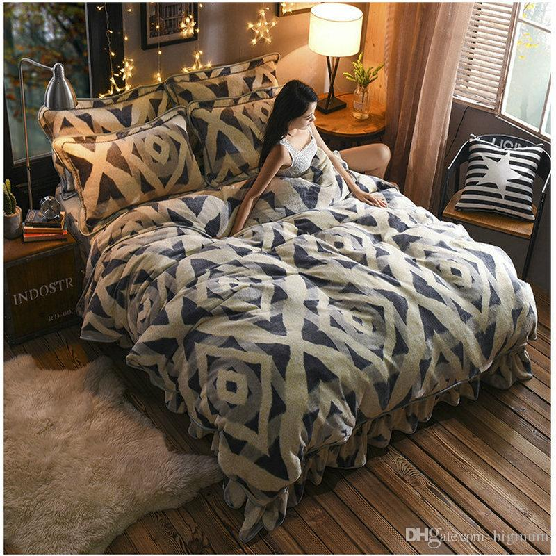 Luxury Design Flannel Bedding Set For Bedroom Different Visual Impact Winter Warm Treasure Soft And Comfortable Enjoy Warm Life