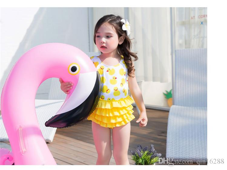 어린이 비키니 수영복 베이비 수영복 프릴 스윙 아동복 짝짓기 모자 어린이 옐로우 오리 소녀 만화 프린트 프린스 수영복