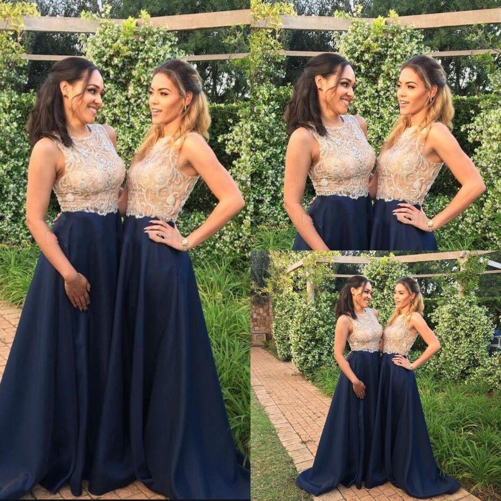 2a4d482a5c Vestidos de Dama Brillantes Azul Marino y Dorado Joya Cuello 2018 Rebordear  Grandes Barridos Tren Una Línea de Vestidos de Invitación de Boda Fiesta de  ...