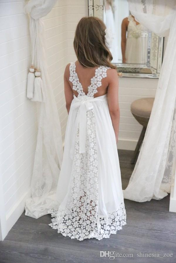 Simple Lace Empire Beach Flower Girl Dresses 2018 v Neck Long Girls Pageant Gowns With Beaded Belt Straps Back Birthday Party Dress