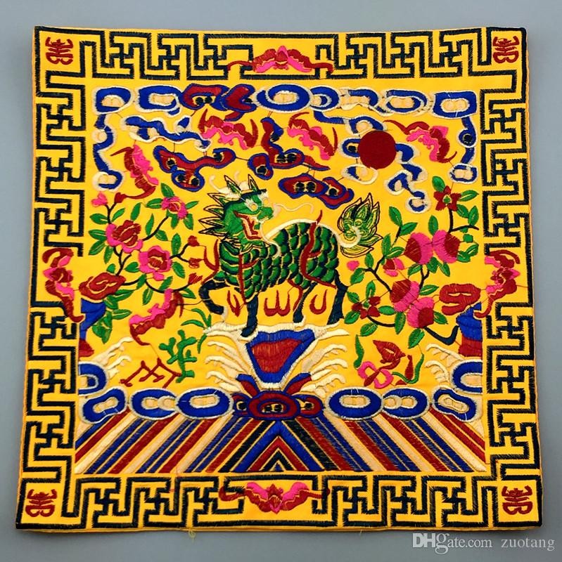 Embroidered Kirin Fabric Dinner Chinese Placemats Dining Table Mat traditional Craft Satin Protective Pad Wedding Decoration 26 x 26 cm
