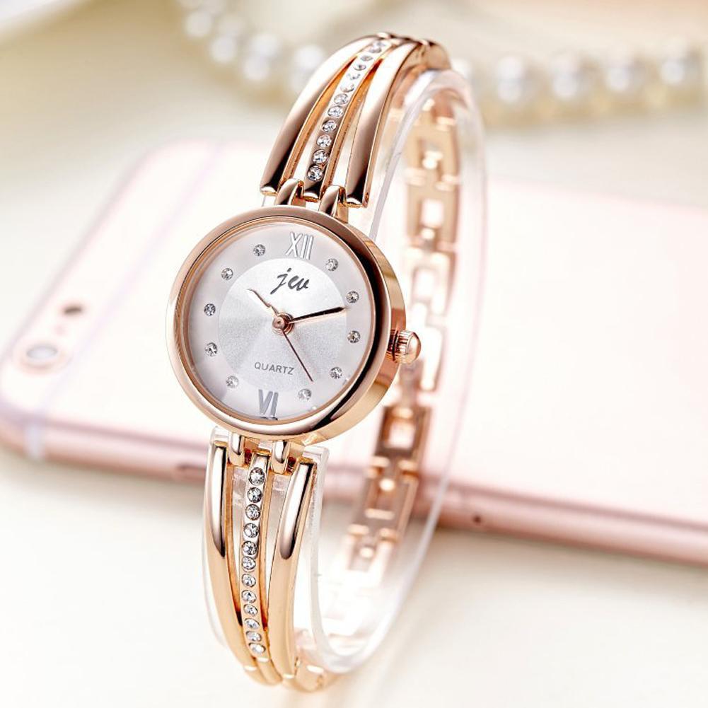 7d666538f86 Compre Relógio De Pulseira Feminino Relógio De Presente Para Relógios Moda  Quartzo Vestido Pulseira Relógio Pulseira Relógios De Pulso Para Mulheres  De ...