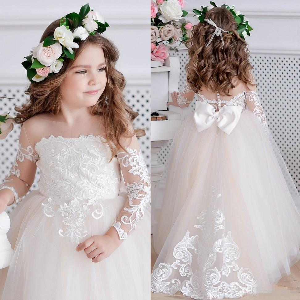 f9c62dc68 Compre Bonito Encaje Vestido De Bola Vestidos De Niña De Flores Para La  Boda Manga Larga Botones Para Niños Pequeños Volver Vestidos De Desfile  Vestidos ...