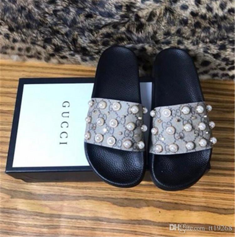 Aaaaa+2018 Mens And Womens Fashion Rubber Slides Sandals With Pearl Effect  And Gold Toned Studs Boys And Girls Outdoor Beach Slippers Western Boots  Discount ... 25245c62d013