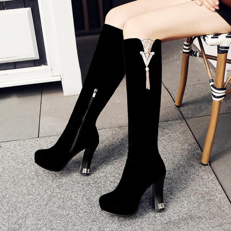 e1e76a5f6 Compre 2018 Otoño E Invierno Nuevo Estilo Coreano Para Mujer Negro Botas  Hasta La Rodilla De Tacón Alto Tacones Gruesos Zapatos De Plataforma Negro  Rojo A ...