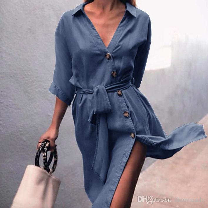 ab44ea9470b6126 Купить Оптом Мода Сплошной Цвет Джинсовое Платье Женская Одежда Новая  Рубашка Стиль Лацкан Кнопка Наклонная Дверь Створки Пояса Сексуальное Платье  Сплит. ...