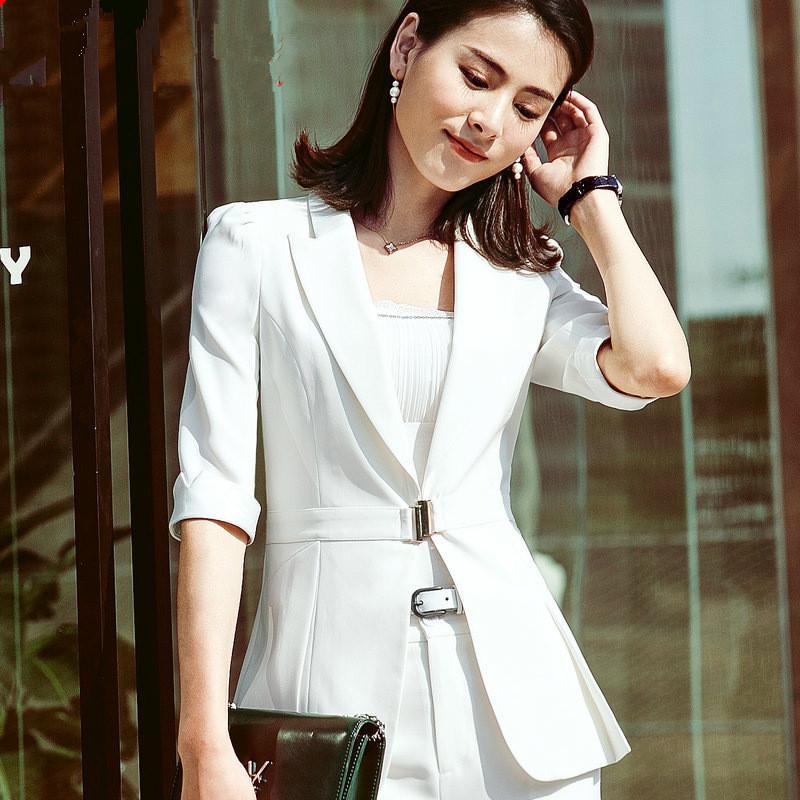 Compre 2018 Invierno Blazer Femenina Blazers Negros Chaqueta Larga Otoño  Oficina Señora Chaqueta Mujer Trajes Mujer Chaqueta Blanca Coreana 4XL A   38.89 Del ... 7031e6cf2490