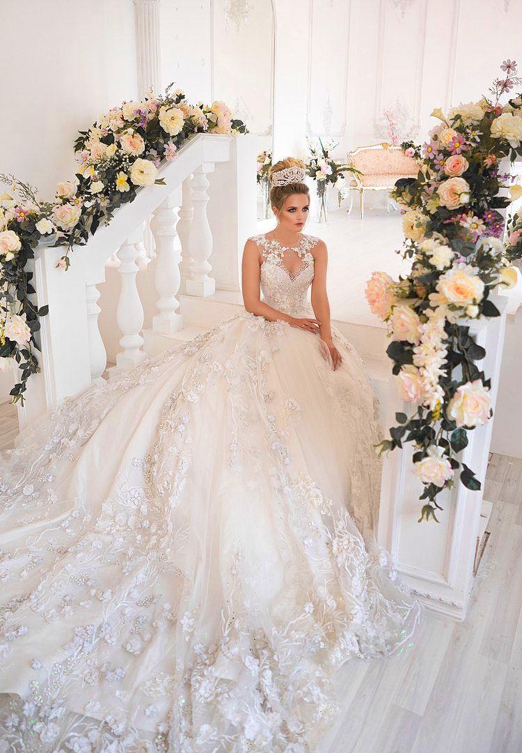Saudi Arabia 3D Floral Appliques Wedding Dresses Beaded Jewel Neck Lace Applique Wedding Gown Dubai Princess Fancy Tulle Long Wedding Dress