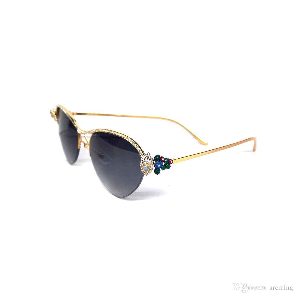 dfc5235a25 Compre Gafas De Sol Vintage Mujeres Gafas De Sol Con Diamantes De Imitación  Gafas Para La Moda 2018 Mujeres Accesorios De Lujo Decoración Para La  Ceremonia ...