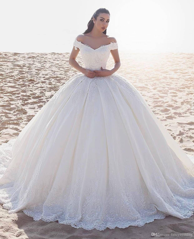 Beautiful Wedding Dress.Gorgeous Bateau Ball Gown Lace Applique Floor Length Bridal Wedding Dress Beautiful Classic Wedding Gowns D06