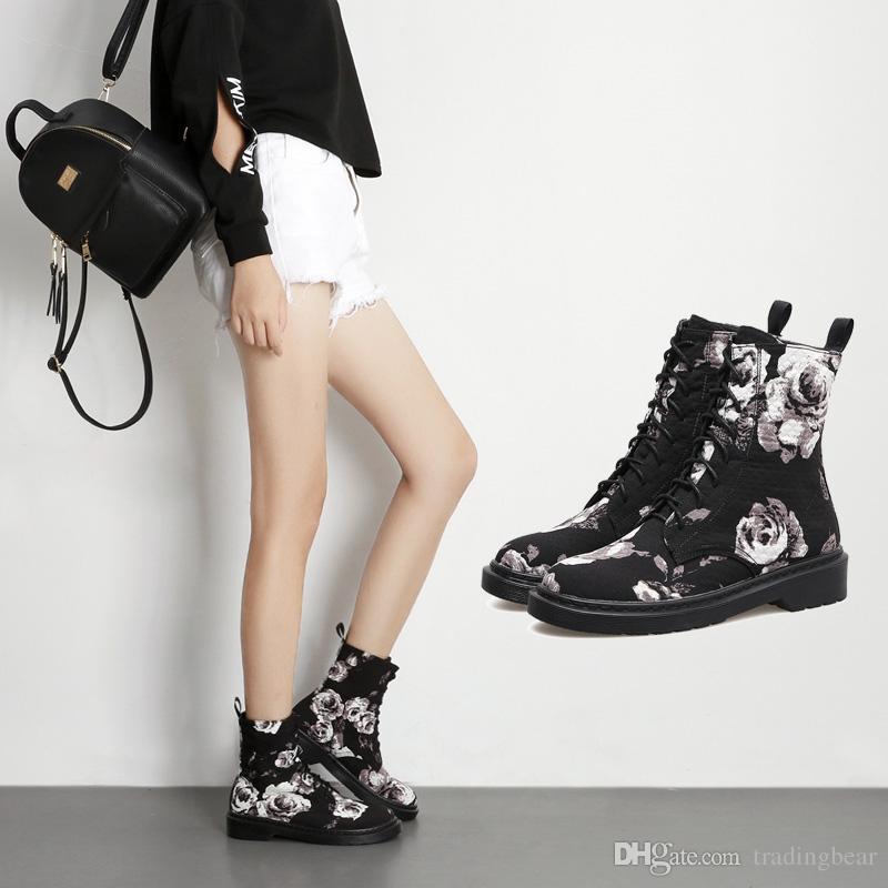 NEW black floral printed lace up flat heel cowboy hiking boots ankle boots designer women boots Bottes femmes size 35 to 40