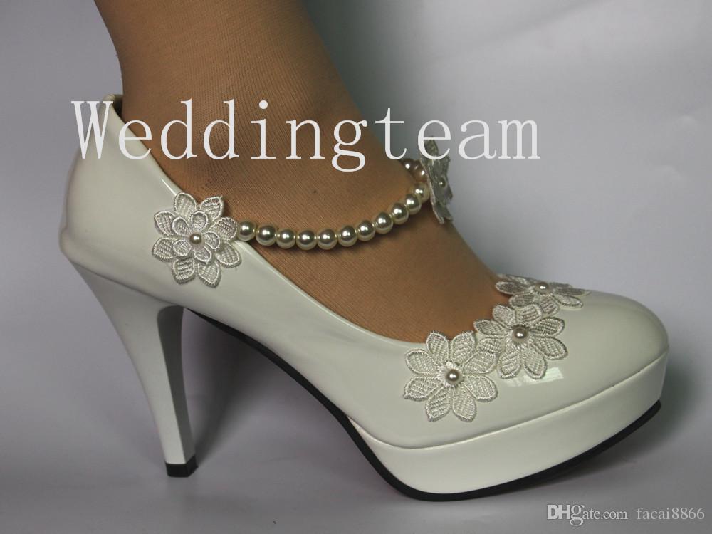 1f319800425e73 Großhandel 2018 Mode Braut Perle Hochzeit Spitze Handgemachte High Heels  Weiße Leistung Brautjungfer Schuhe Wasserdicht Plattform Foto Schuh Mädchen  Von ...