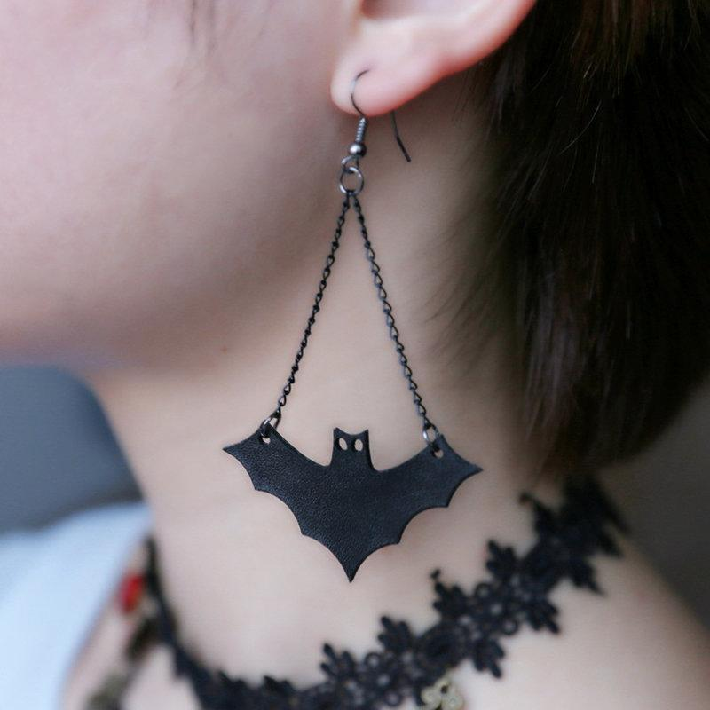 New Design Vintage Personalized Fashion Cute Bats Hip-hop Stud Earrings For Women Halloween Jewelry Accessories EM951