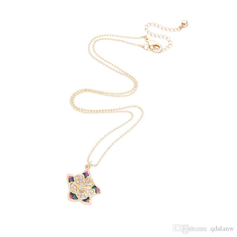 Slanw European Trendy Fashion Women Accessories Choker Necklace flower pendants rhinestone Perfume Feminino Ornament Femme Necklace Um Colar