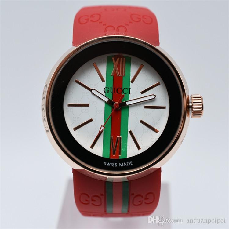 556d23335dd Compre 2018 Moda Relógio De Quartzo Das Mulheres Casuais Relógios Preto  Marrom Vermelho De Borracha Relógio De Pulso Dos Homens Relógios De Grife  Famosa ...