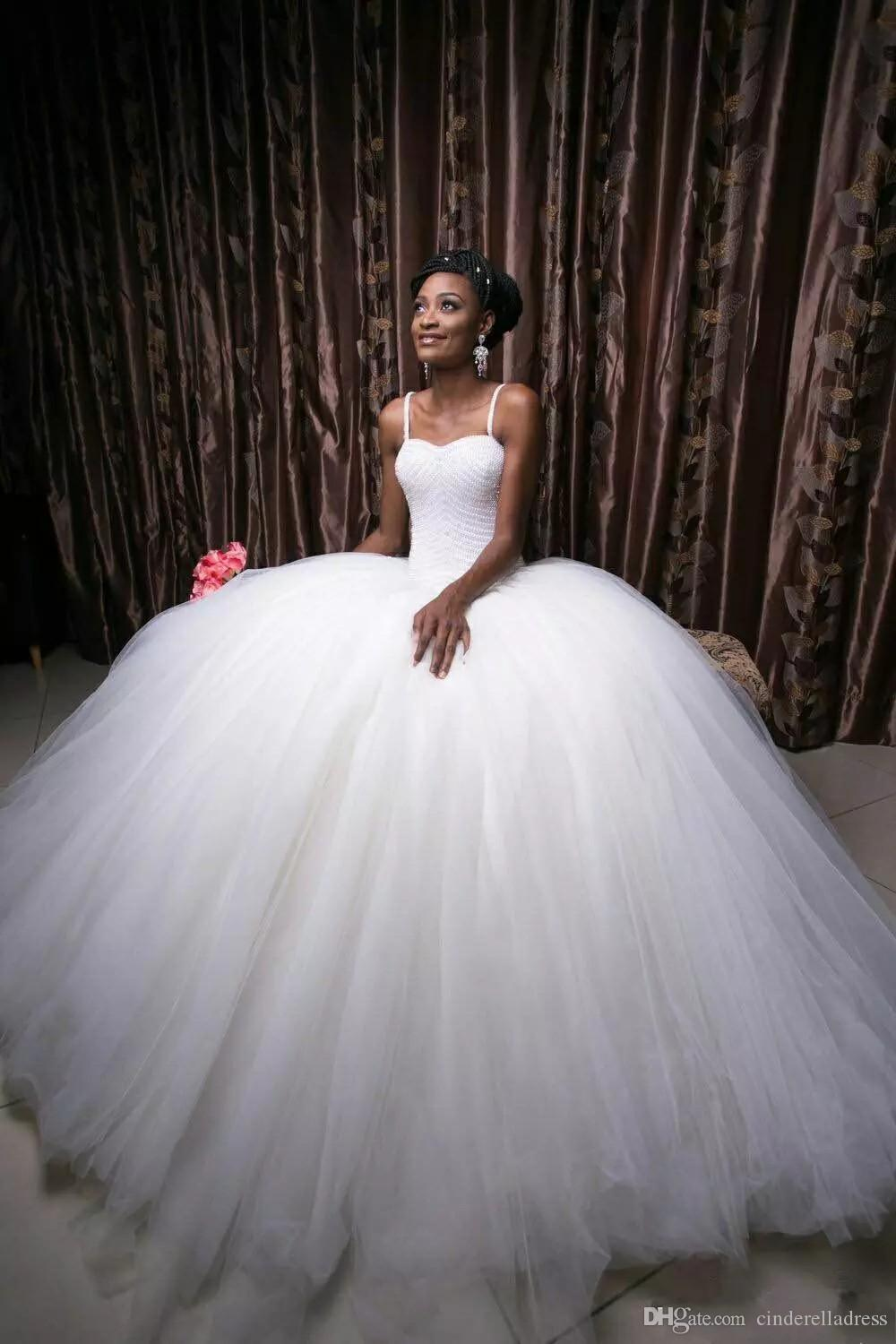 Super Ball Gown Tulle Wedding Dresses 2018 Middle East White Beading Top Layers Floor Length Spring Plus Size Bridal Wedding Gowns