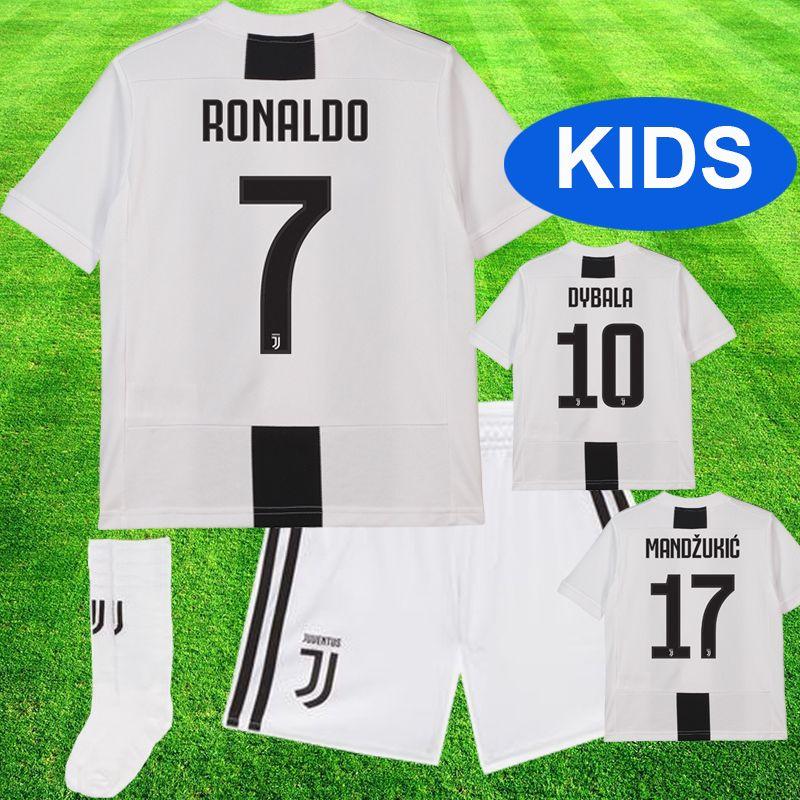 5ece3c4fe Compre Kids Juventus Soccer Jersey RONALDO Kids Kit 2019 Ronaldo DYBALA  PJANIC Marchisio Niño 2018 2019 Camiseta De Fútbol Uniformes Juveniles  Chicos ...