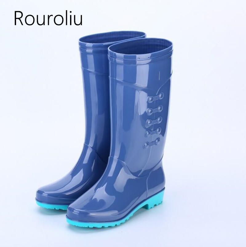 Acquista Rouroliu Donna Tacco Piatto Alti Stivali Da Pioggia In PVC  Impermeabile Scarpe Da Acqua Wellies Moda Antiscivolo Stivali Da Pioggia  Caldi Donna ... f3994f24073