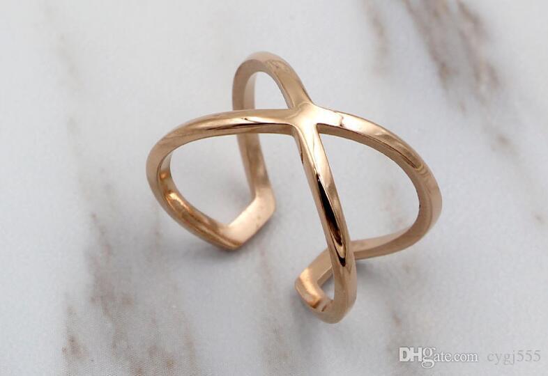 Nuova versione coreana della cava croce X parola anulare anello moda Joker Titanio acciaio placcato oro rosa anello