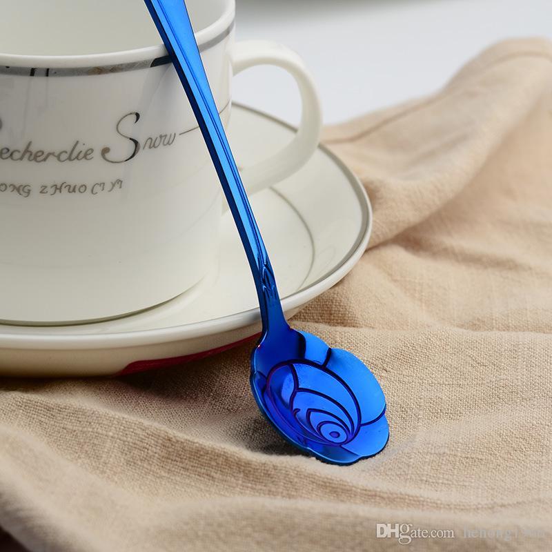 Cuchara para mezclar café Bandeja de oro plateada de acero inoxidable azul Flores de cerezo Postre Cucharada Rosa Forma Especial 2 6wla V