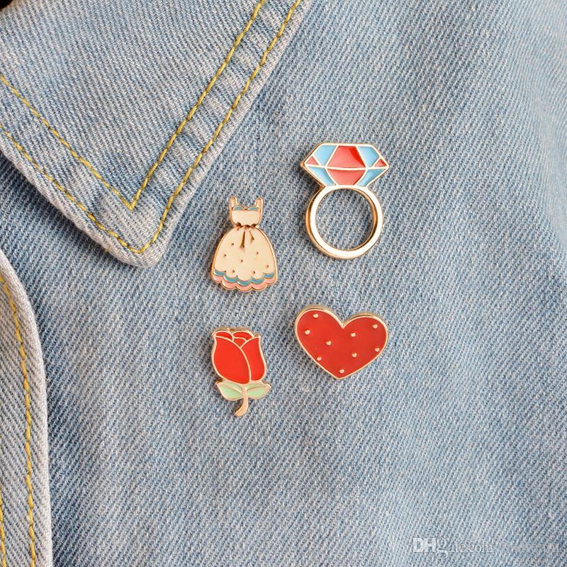 Esmalte Flor Rose Heart Dress Diamante Anillo Broche Traje Camisa Solapa Pin Insignia para Mujeres Niños Lindo Regalo DROP SHIP 170896