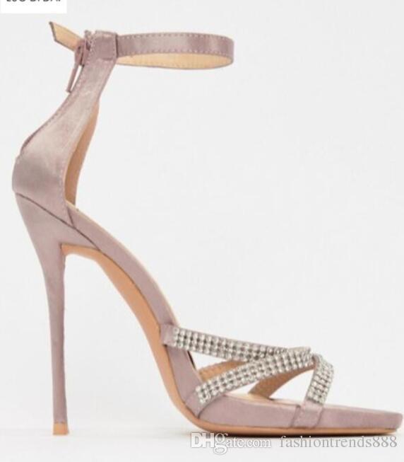 950d714e780 2018 Summer New Women Party Shoes Diamond Sandals Gladiator Sandals  Rhinestone Stud High Heels Wedding Shoes Low Platform Heel Sandals For  Women Knee High ...
