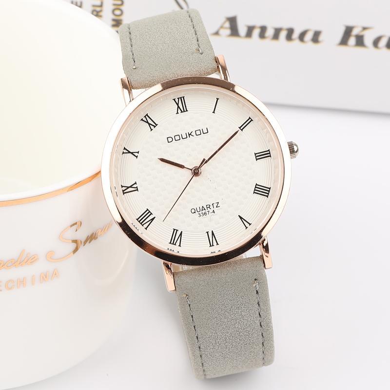 439c85dce102 Compre DOUKOU Relojes De Las Mujeres Retro Vintage Cuero Gris De Cuarzo Analógico  Reloj De Pulsera Marca Superior De Lujo Masculino Reloj Relogio Masculino  ...
