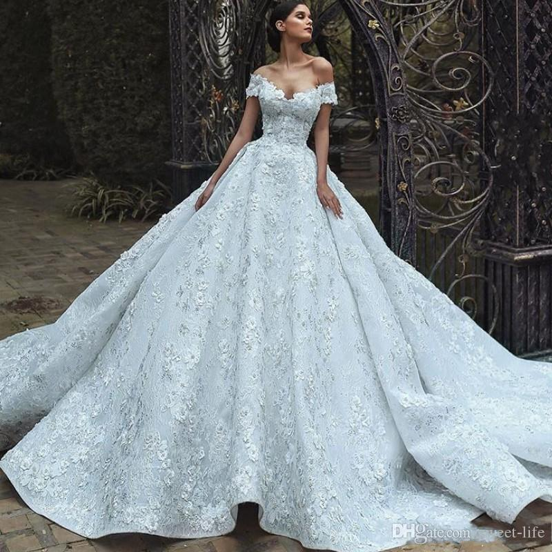 2020 Gorgeous Lace Ball Gown Wedding Dress Off Shoulder 3D-Petals Applique Sleeveless Bridal Dress Glamorous Sexy Princess Wedding Gowns