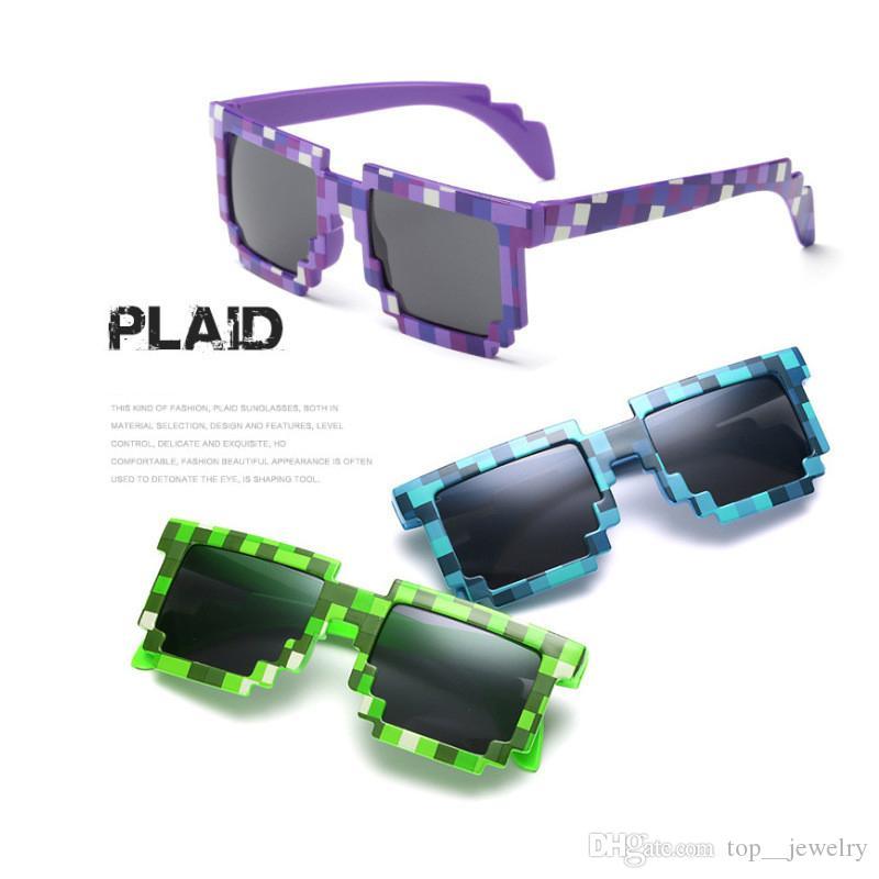d12d183b07 Compre Lindos Niños Infantiles Gafas De Sol Pixel A Cuadros Cuadrados Gafas  De Sol Para Bebés Y Niños Gafas De Sol Use Protección Radiológica HD Resina  ...