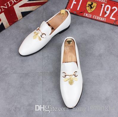 473595090 Compre Mocasines De Hombre De Moda Zapatillas De Color Bordado De Abeja  Pequeña Zapatos De Vestir Británicos Zapatos De Hombre Zapatos De Boda Y  Fiesta A ...