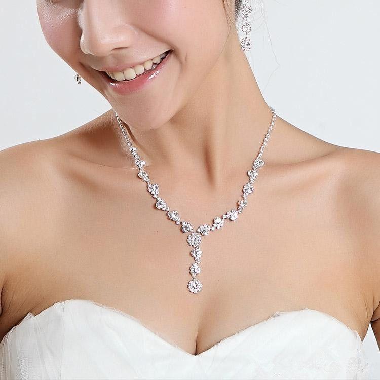뜨거운 크리스탈 모조 다이아몬드 유행은 도금 목걸이 반짝 귀걸이 신부를위한 결혼식 보석 세트 신부 들러리 여자 신부 부속품