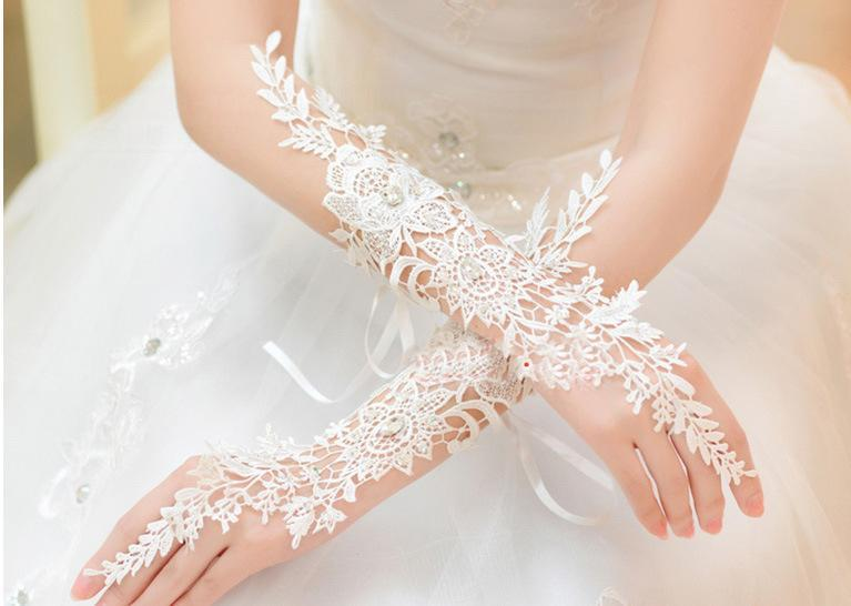 2018 Cheap Free Size Fingerless Rhinestone Lace Sequins Bridal Wedding Gloves Wedding Accessories Made in China