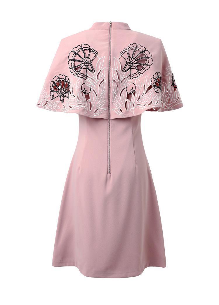 Europa moda 2017 de alta calidad vestidos de la pista de las mujeres nueva con cuello en v bordado flor ahueca hacia fuera del cabo vestido de rosa