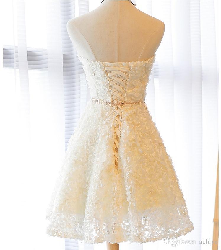 Werbe Strapless Sash Short-Abschluss-Kleider Grau Champagne-trägerlose Spitze Kurze Abendkleider China-Partei-Cocktailkleider 2020