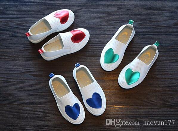 d89887bf1 Compre 2018 Novas Sapatilhas Crianças Shoes Crianças Sapatilhas Menina  Vermelho Verde Floral Slip On Respirável Plana Sapato Infantil Menina Oco  Sapato ...