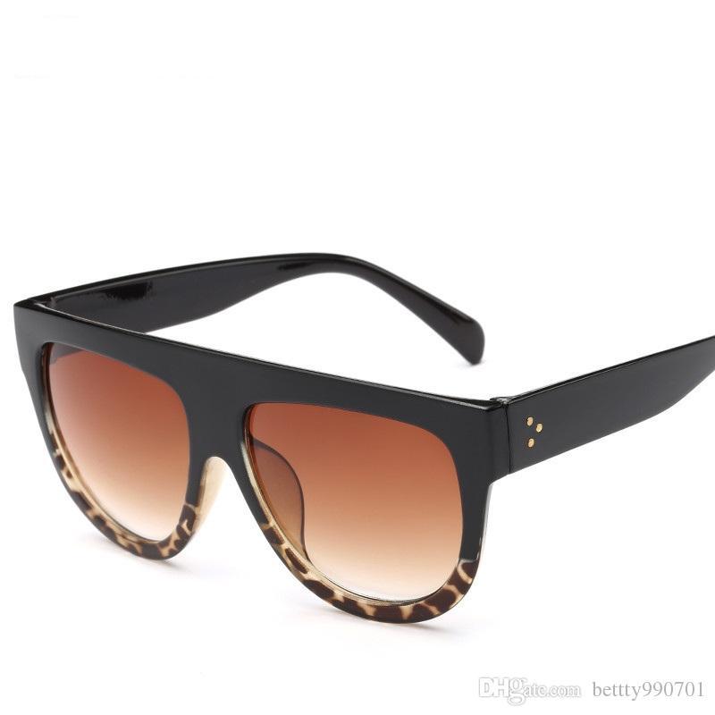 Compre Novo 2018 Mulheres Sol Óculos De Sol Dos Homens Designer UvQuadro  Grande Lente Óculos Óculos 11 Cores Fresco Presente Esporte Ao Ar Livre  Desgaste Da ... e78f977469