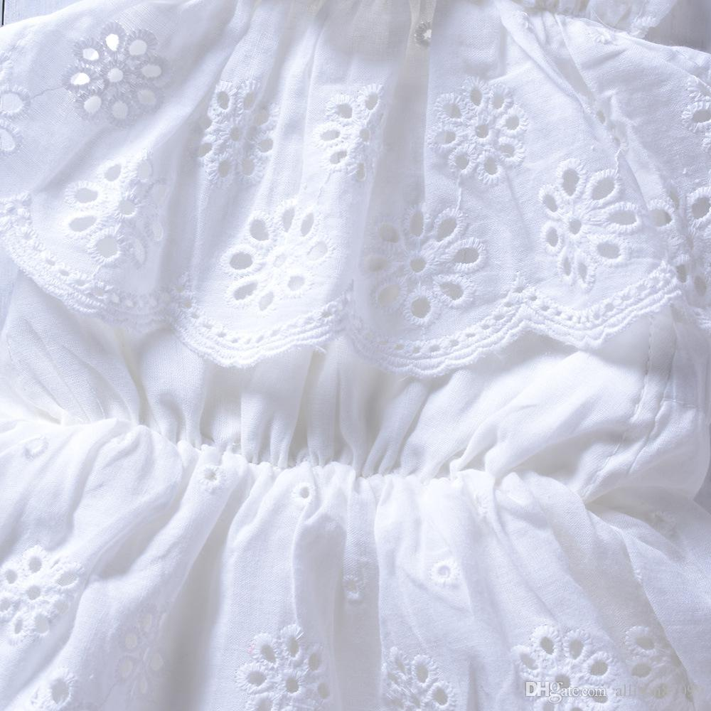 Ins vêtements de bébé filles coton blanc dentelle broderie barboteuses sans manches dos nu Halter 2019 filles mignonnes Jumpsuit été