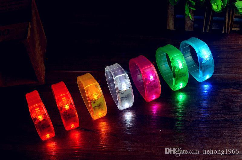 Activado por música Control de mano Led destellando pulsera Pulsera de brazalete Club Party Bar Cheer Luminous Bangle 3 2gl Z