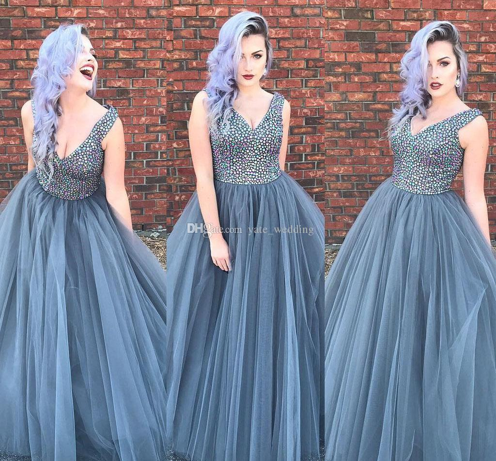 Sparkly Crystal Tulle Plus Size Prom Dresses V Neck Sleeveless Floor Length  Dark Gray Formal Evening Dresses Party Dresses