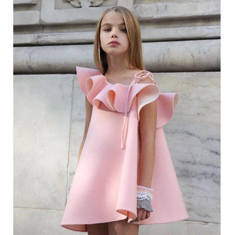 80c137fe80a Купить Оптом Розовый Цветок Девочки Платья Свадебные Платья Для Девочек  Принцесса Слинг Платье Для 3 5 Лет Девочки Воланом Платье На Одно Плечо ...