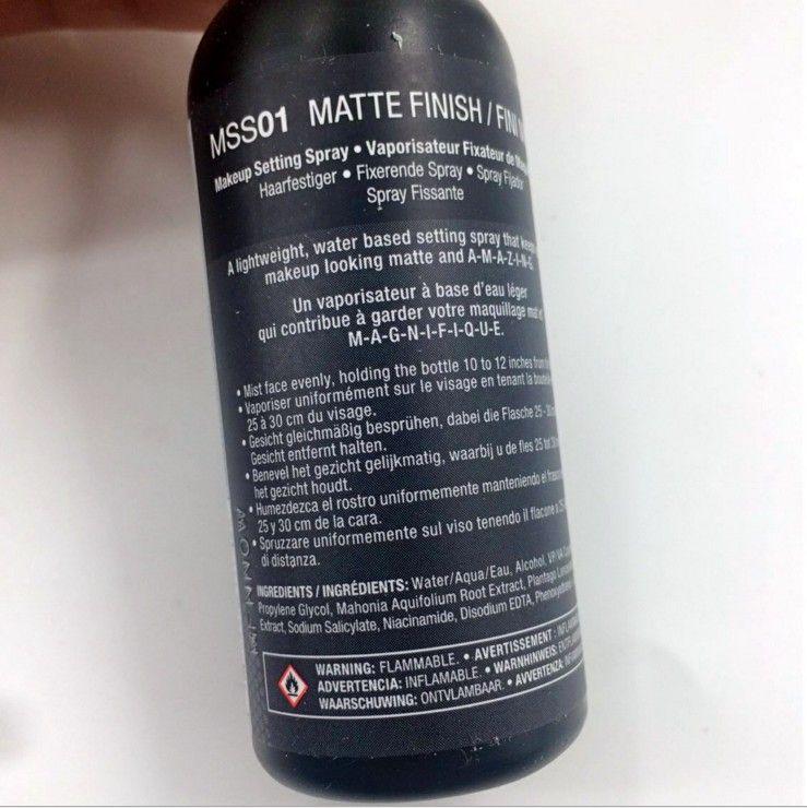 NYX Dewy Finish Matte Finish Makeup Setting Spray Spray a lunga durata 60ML Face Beauty DHL