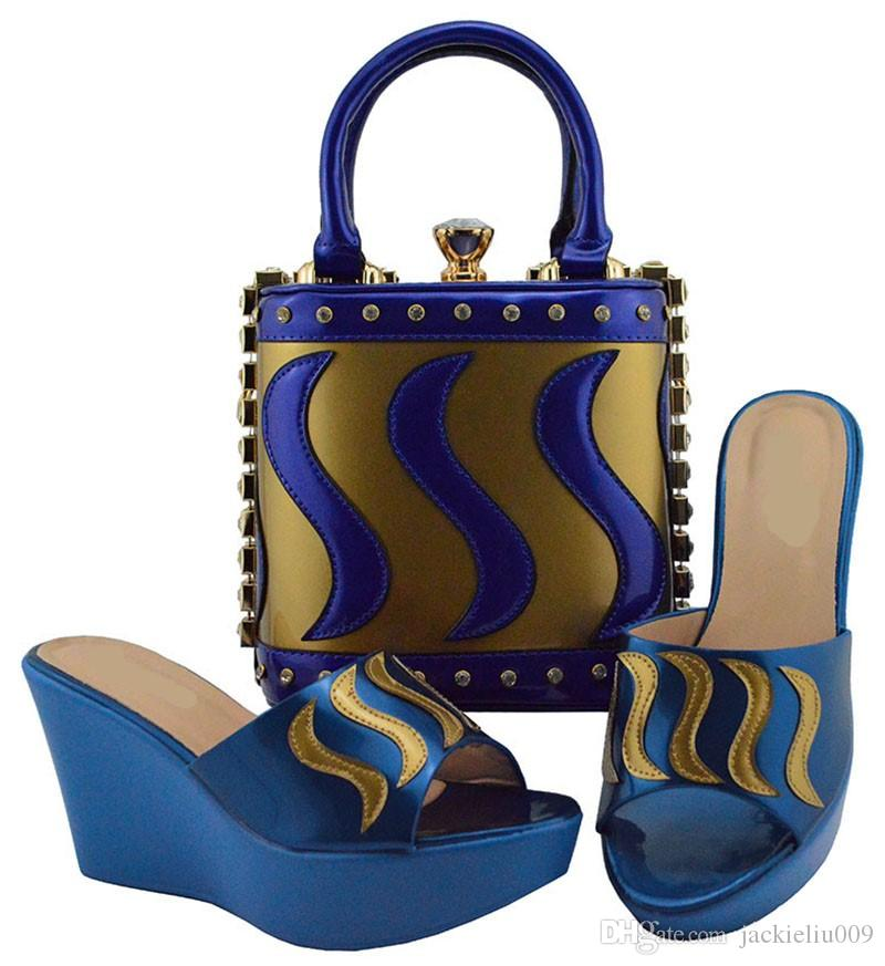 25b66b6064 Acquista Bellissime Décolleté Da Donna In Oro E Blu Royal Con Una Borsa  Grande Set Di Scarpe Africane Abbinate Alla Borsetta Vestito MD005, Tacco  9,5 Cm A ...