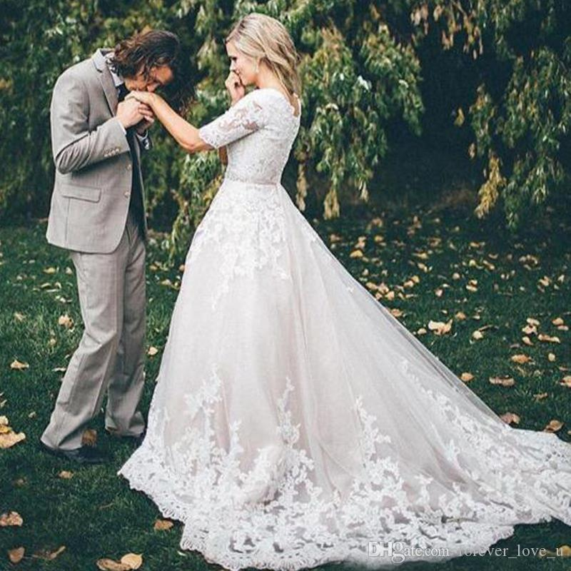 27e3810b1988 Discount Lace Modest Wedding Dresses With Short Sleeves 2018 Princess  Wedding Gowns Vintage Country Western Bridal Wedding Dress Zipper Buttons  Back Online ...