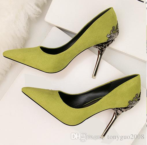 Chaussures simples givrées européennes et américaines, chaussures de mariage, chaussures de mariée rouges, évidements en métal, daim, bouts pointus, talon haut