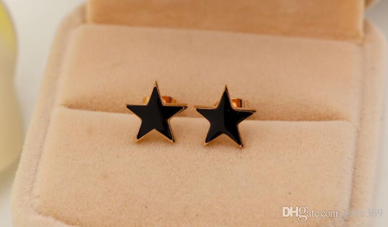 Versão coreana de rosa preto e branco Dijiao titanium aço rosa brincos de orelha de ouro Moda simples OL Joker brincos de jóias