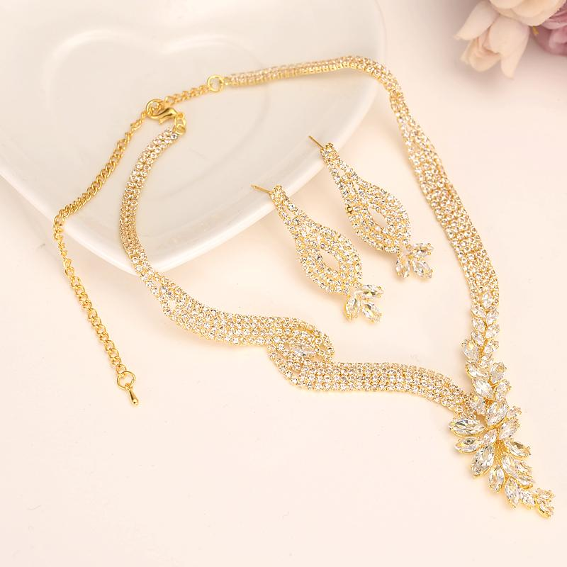 a1ed145db54aa Fashion full Crystal Wedding Bridal Jewelry Sets gold Color Rhinestone  Wedding Jewelry Necklace Sets for Women girls party gift