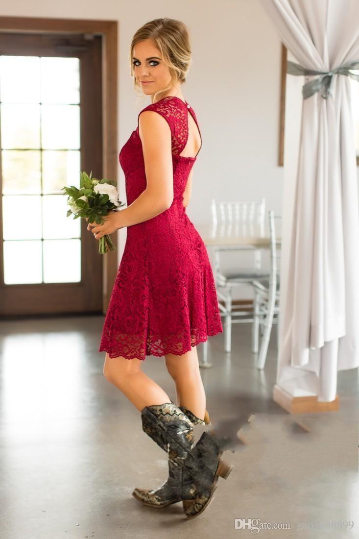 2019 Estilo Curto País Cheia de Renda Vestidos de Dama de Honra Longo Cap Mangas Na Altura Do Joelho Dama de Honra Vestidos Baratos Convidado Do Casamento Vestido