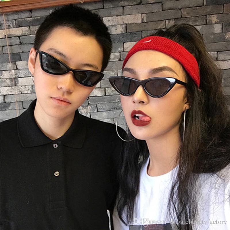 e23515ad3 Compre Moda Óculos De Sol Retro Triângulo Olho De Gato Óculos De Sol UV400  Visão Limpo Óculos Óculos Presente Do Dia Dos Namorados Bonito De ...
