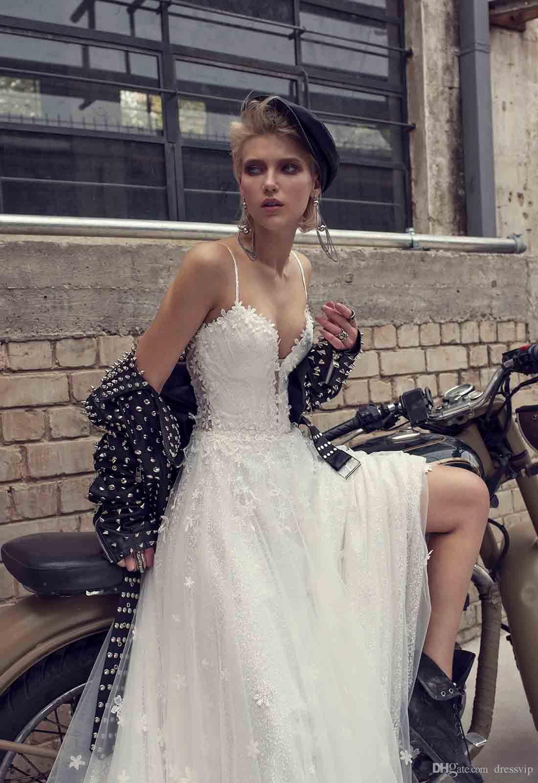 Pnina Tornai A Line Beach Wedding Dresses Spaghetti Lace Applique Backless Sweep Train Sexy Wedding Gowns Illusion Beaded Lace Bridal Dress