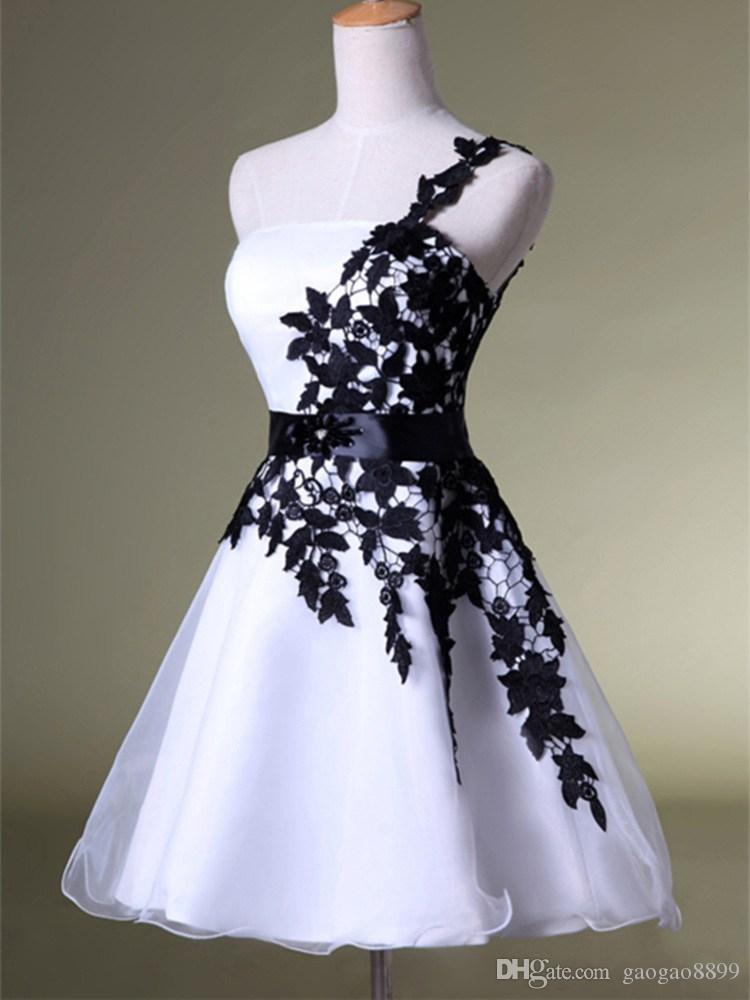 2019 Cheap Short Homecoming Dresses White Dresses and Black Lace One Shoulder Lace Belt Beaded Tulle Gowns for Prom Cocktail Dresses